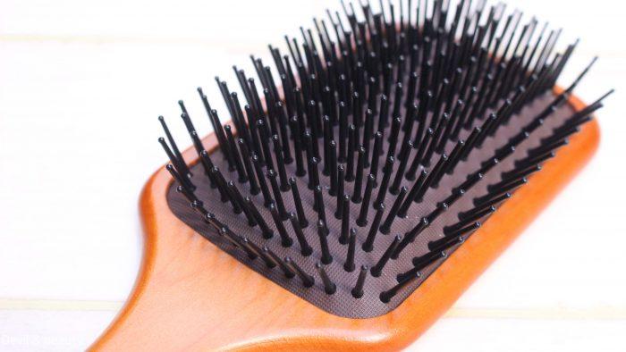 aveda-paddle-brush-e1491469626388 - image